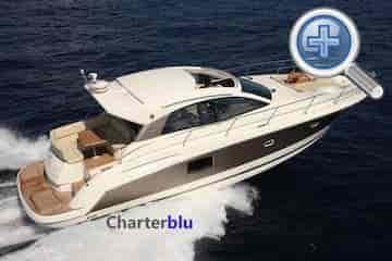 Ansicht Rückseite Bootsvermietung Yacht Jeanneau Prestige 440S auf Gewässern von Ibiza und Formentera